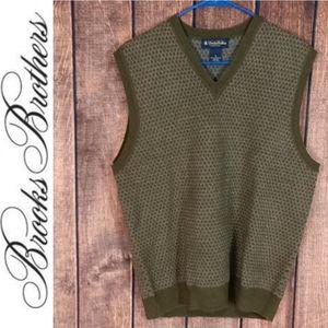 NWOT Gorgeous Lambswool V neck Sleeveless Sweater